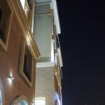 Bild 6. Seitenansicht des Hotels.
