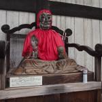 Bild 37. Eine heilende Statue.