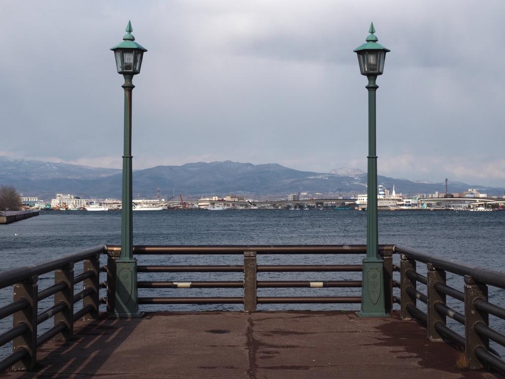 Bild 2. Am Hafen.